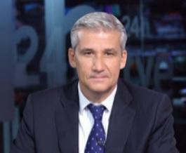 Víctor Arribas -periodista- carnet